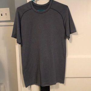Men's Lululemon tech t shirt. Navy blue size M